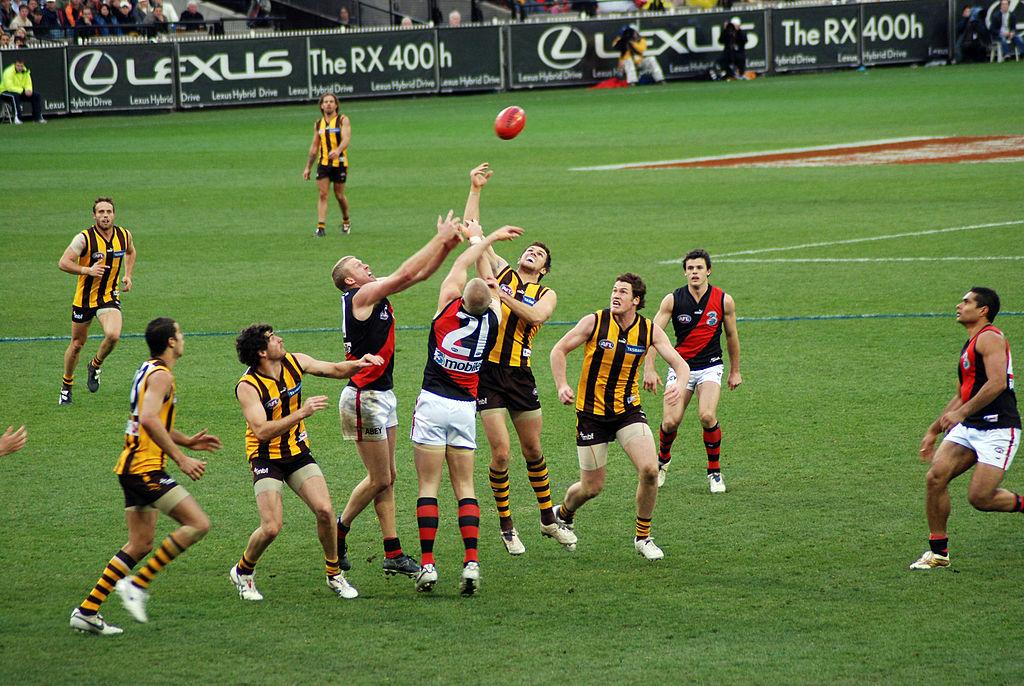 Un match professionnel de footy en Australie