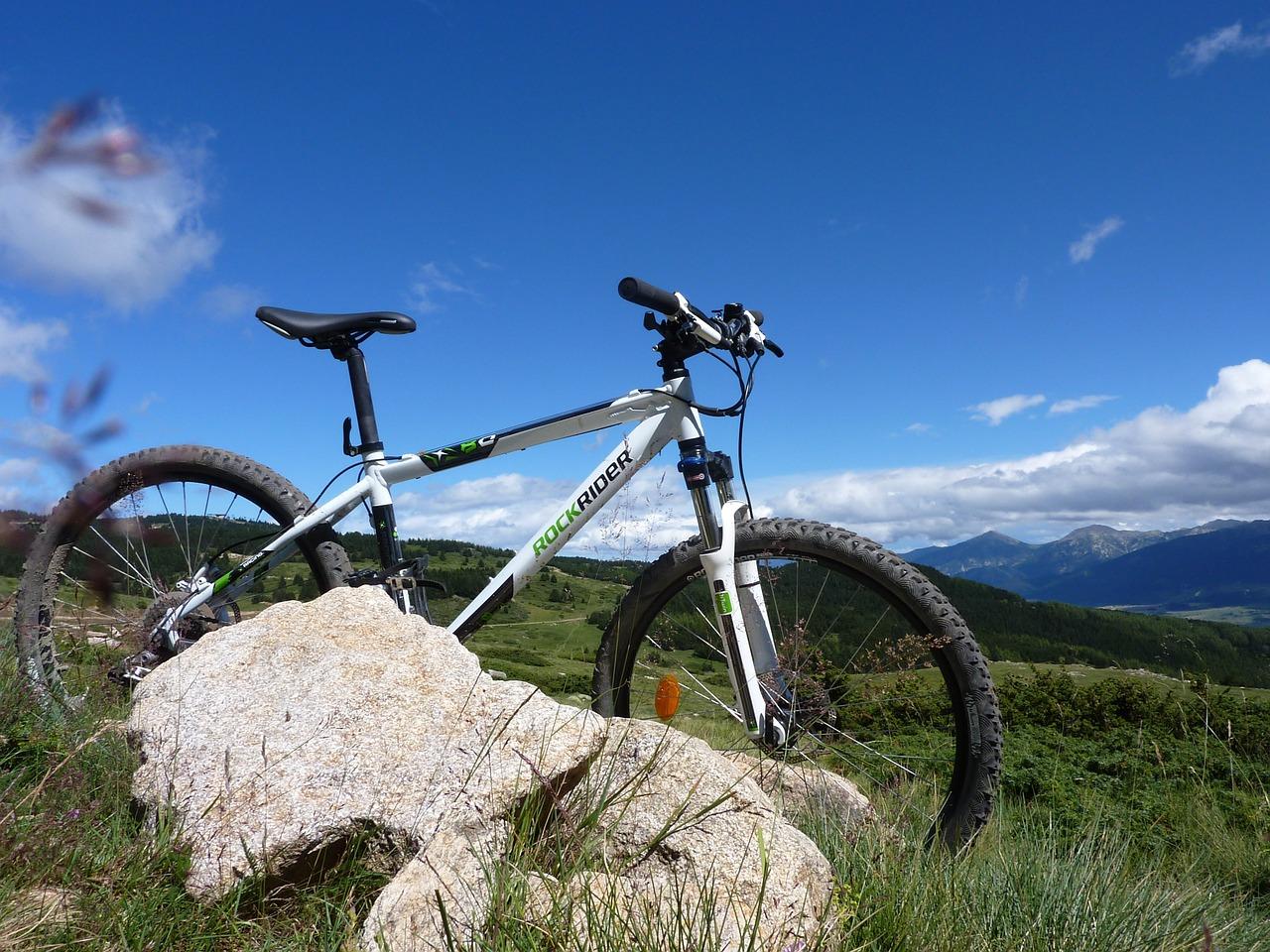 mountain-biking-598506_1280