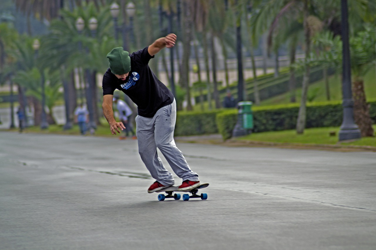skateboard-363137_1280