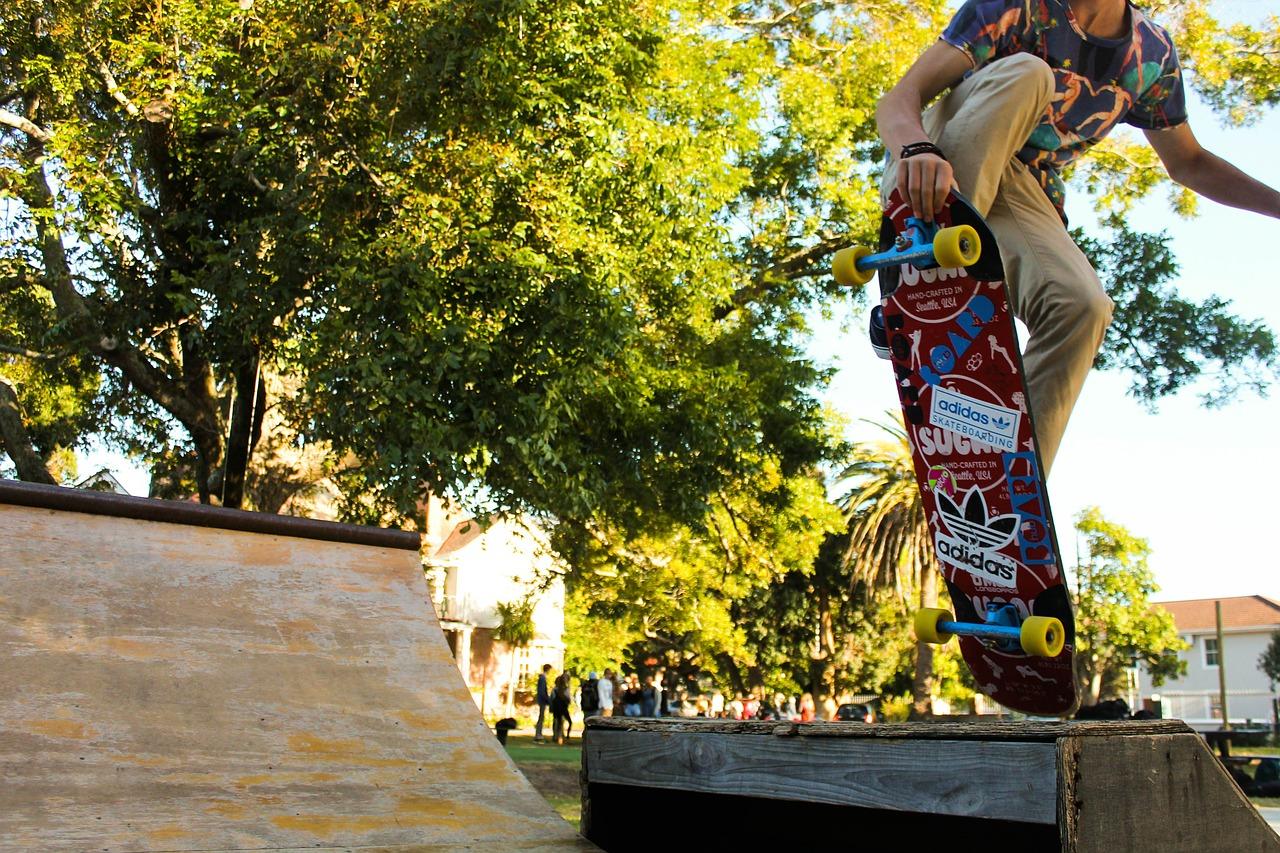 skateboarder-378926_1280